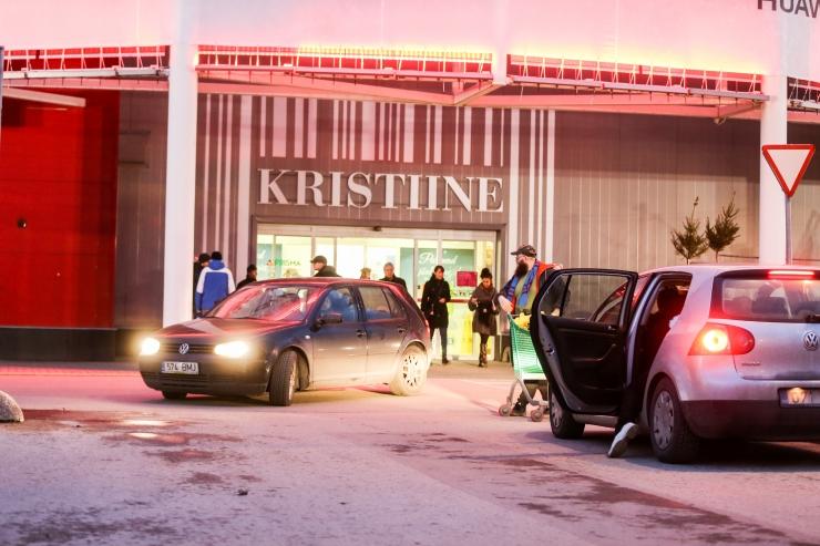 Kristiine kaubanduskeskus tühjendati häire tõttu inimestest