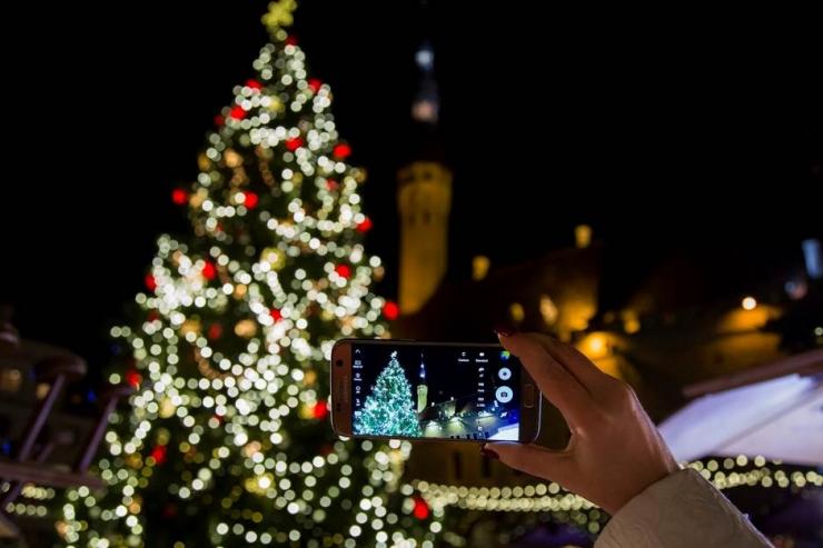 Videograaf soovitab: kuidas nutitelefoniga jõuluajast nauditavaid videoid teha