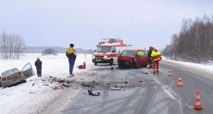 Must päev liikluses tõi ühe hukkunu ja 13 vigastatut