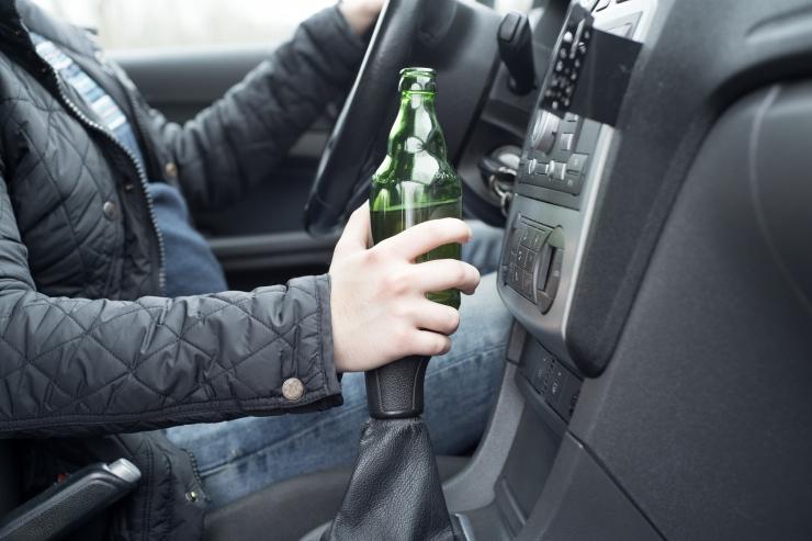 Ligi 200 km/h kihutanud roolijoodik veedab aastavahetuse arestikambris