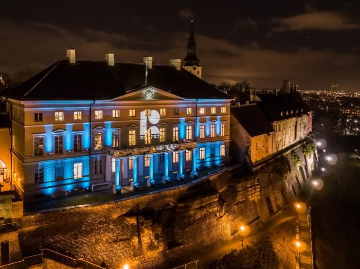 DROONIVIDEO! Stenbocki maja sai juubeliaasta alguseks pidurüü