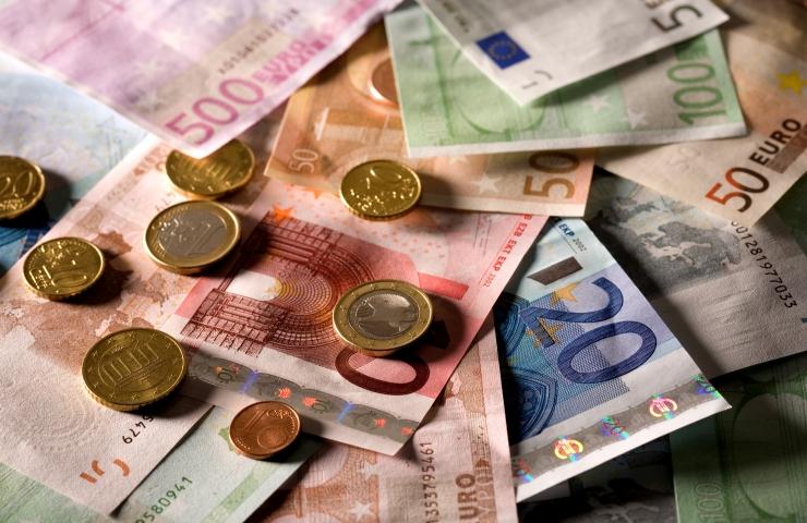 Palgalepe tõstab kultuuritöötaja palga alammäära 1150 euroni