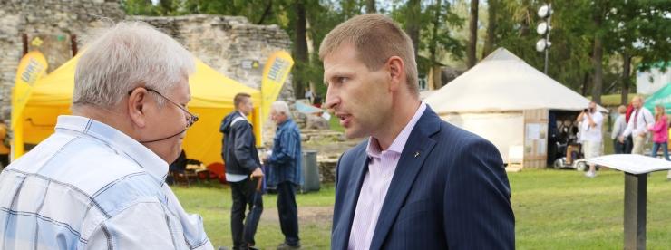 TOOMLA: Kas Pevkur tahab lasta maksumaksjal Reformierakonna uue programmi koostamise kinni maksta?