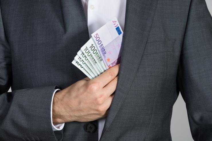 Meditsiiniettevõtte juht eitab Neglasonile altkäemaksu maksmist