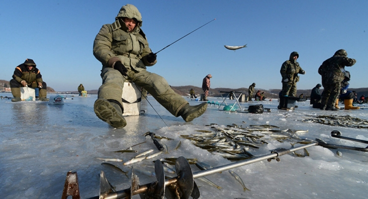 Politsei keelas mineku nii Peipsi järve kui ka Narva veehoidla jääle