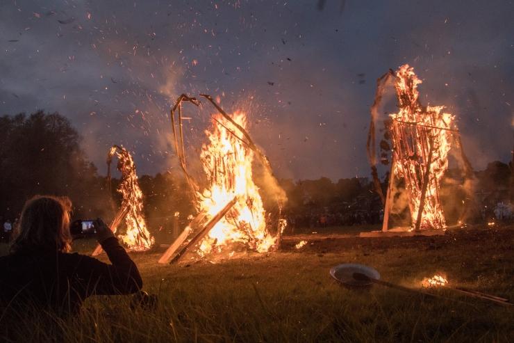 Jõulukuused saavad ka sel aastal tuleskulptuurideks