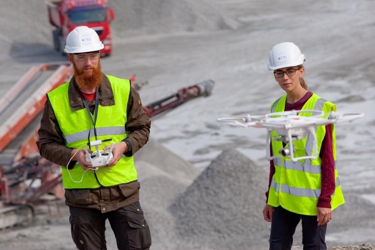 Doktorant: põlevkivitööstus levitab arusaama, et geoloogide asi on uurida, vasar käes, põlevkivi ja seda kaevandada