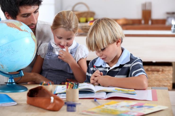 Tallinnas saavad lapsed programmeerimist õppida juba lasteaias