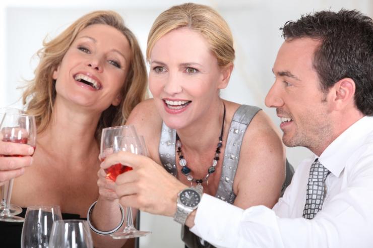 Õhtune veinijoomine võib tervise asemel tuua hoopis vähi