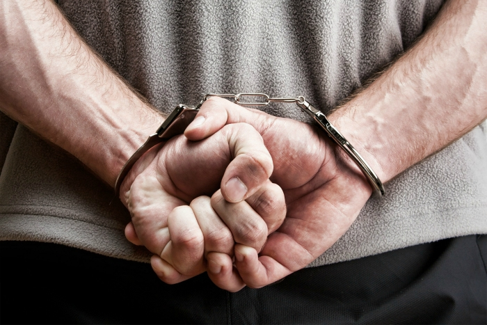 Vanglasse kippunud mees tegi kaks pommiähvardust