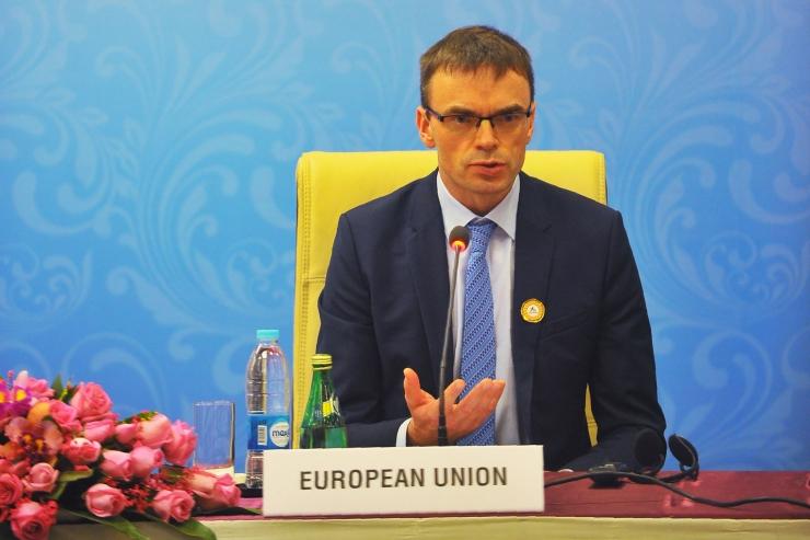 Mikser: Eesti esitab Ukrainale noodi maksunimekirja tõttu