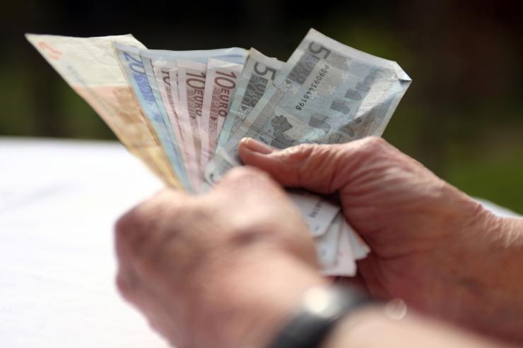 VIDEO! TALLINLASED ERAKORRALISEST PENSIONITÕUSUST: Vana inimene tahab ka elada, 80 eurot on pensionärile suur summa