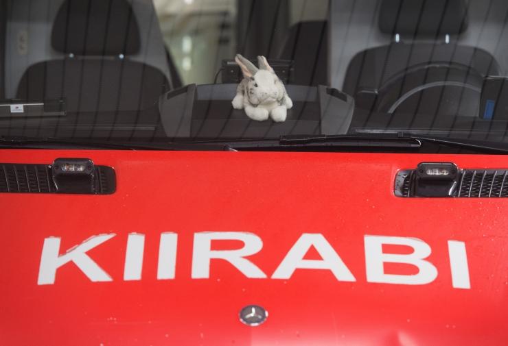 Tartus põrkasid libeda tõttu kokku kolm sõidukit