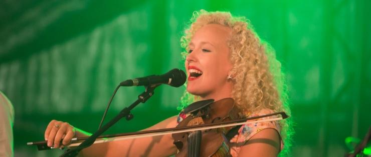 Curly Stringsi laulja Eeva Talsi: maailmatasemel muusikuks saab töökuse ja sihikindlusega