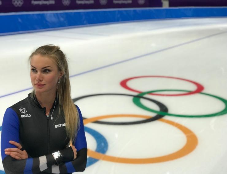 Eesti lippu kannab olümpiamängude avatseremoonial kiiruisutaja Saskia Alusalu