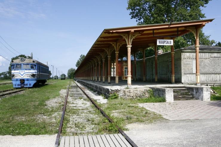 Haapsalu raudtee endine omanik ähvardab tammi äravedamisega