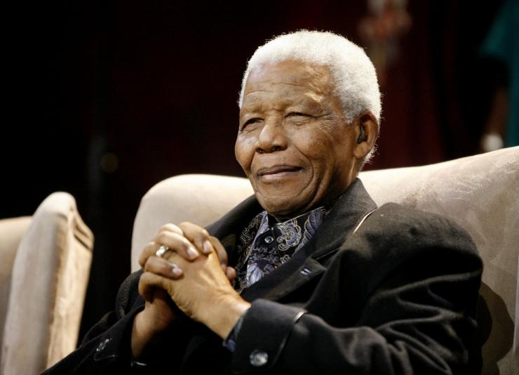 Valentinipäeva eel esitleti Nelson Mandela roosi