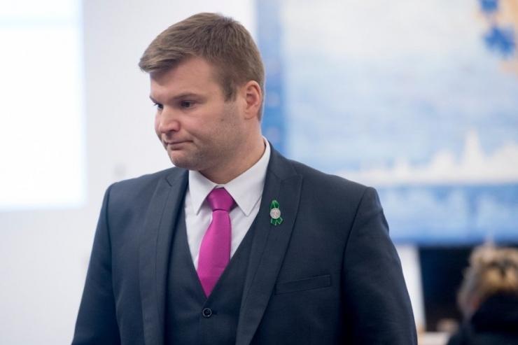 Lauri Laats küsib ettevõtlusministrilt Urve Palole Kredexi kohta