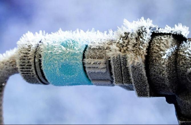 Ekspert hoiatab: ees ootab torude külmumise aeg