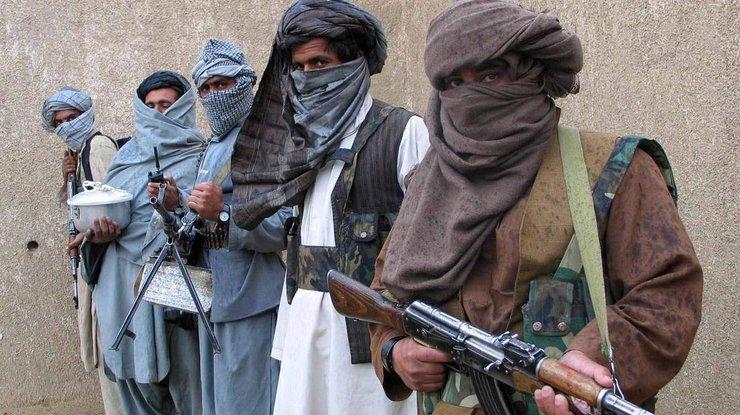 Pakistani sõjaväekohtud mõistsid surma seitse mässulist