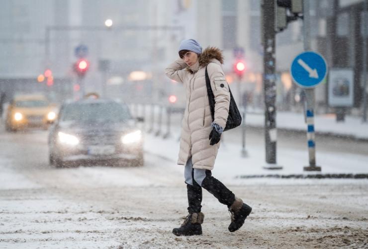 Läänemerele laienev tsükloniserv toob pühapäevaks vähest lumesadu