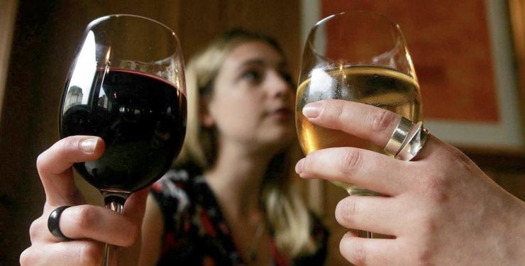 WHO EKSPERT: Igapäevane klaas veini suurendab vähiteket