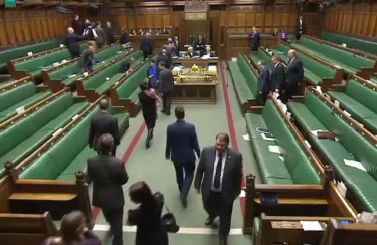 Briti parlamenti saadetud pakist leitud valge pulber osutus ohutuks