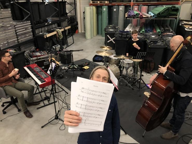 """Fotod: muusikud alustasid Jazzkaare avakontserdi """"Saja lugu"""" proovidega"""