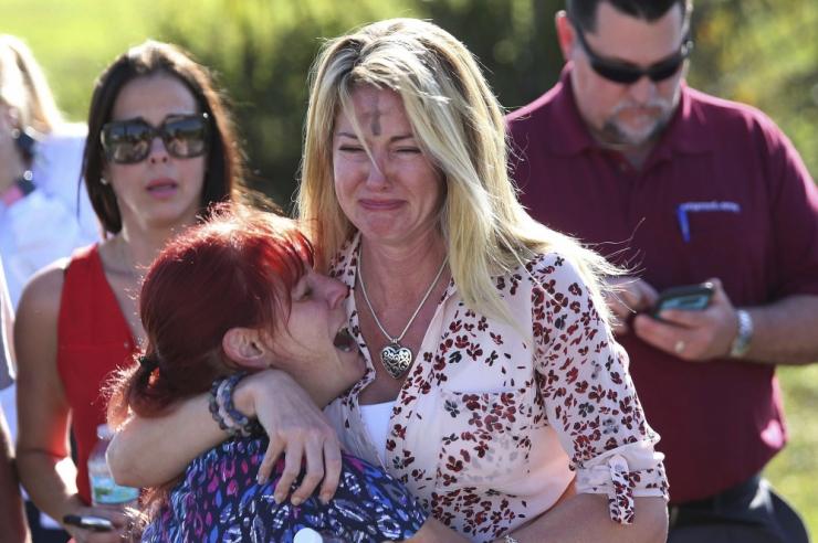 FOTOD: USA koolitulistamises sai surma vähemalt 17 inimest
