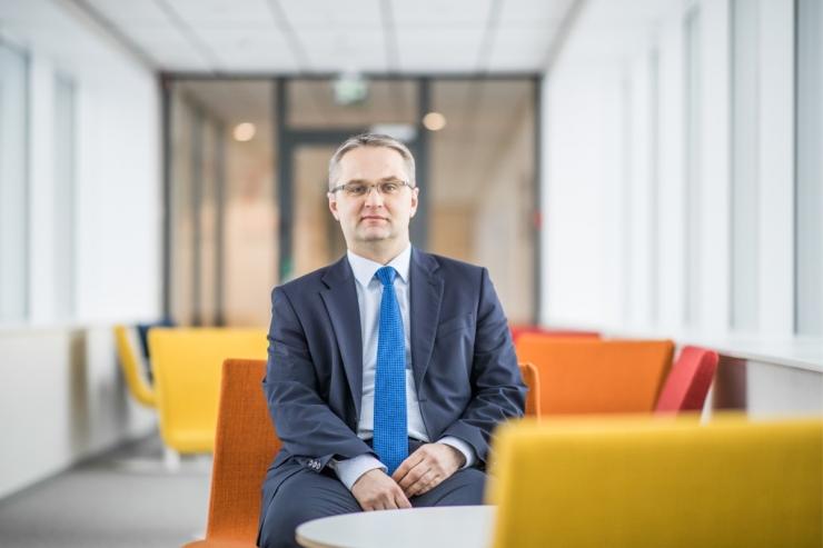Janar Holmil on riigikontrolöriks saamiseks parlamendis hääled koos