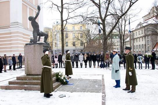 Kolm Tallinna kooli mälestasid Vabadussõjas langenud õpilasi