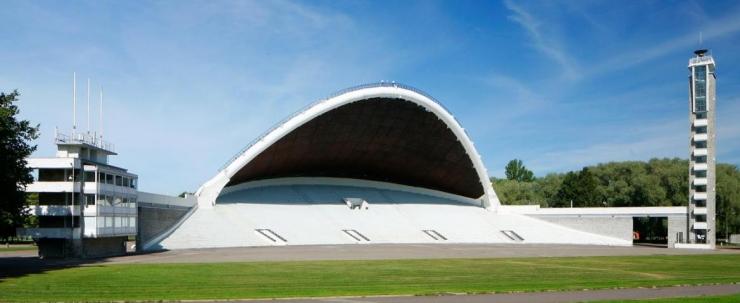 Kingitus Eestile – 100 ehitist – sada aastat