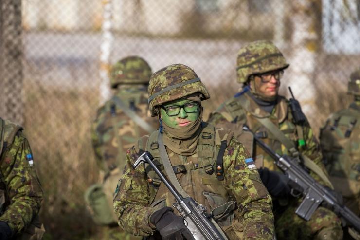 Kaitseväelased külastasid nelja lasteaeda