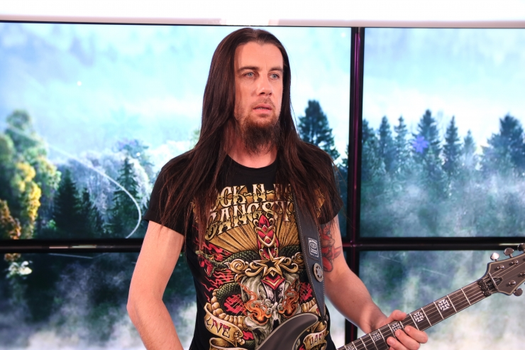 "VIDEO! Priit ""Brad"" Jürjens näitas Eesti hümni heavy-palet"