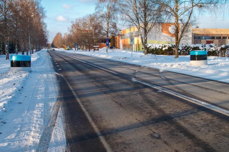 Kesk-Eestis põrkasid kokku kolm autot, viga sai üks inimene