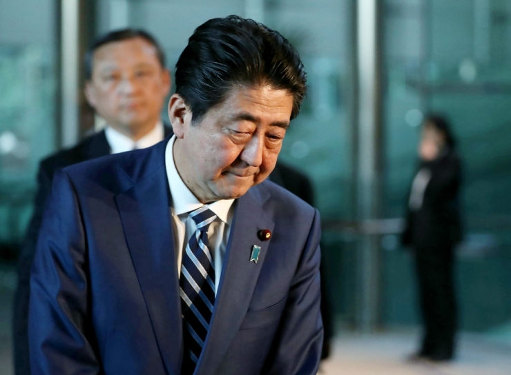 Jaapani valitsus muutis Abe naisega seotud skandaalis dokumente