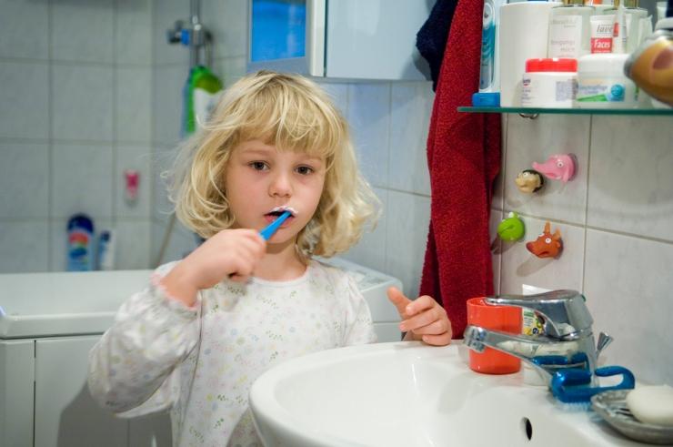 Riik kutsub kampaaniaga lapsi ja noori hammaste eest hoolt kandma