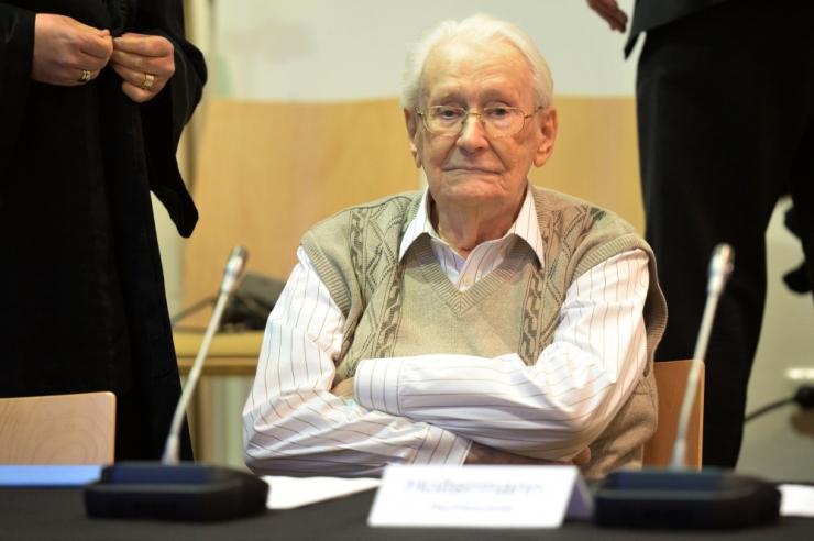 """Meedia: """"Auschwitzi raamatupidaja"""" suri 96 aasta vanuses"""