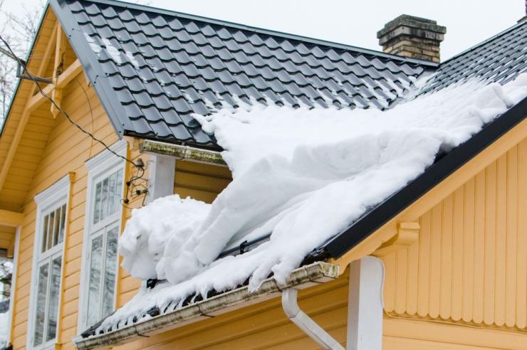 Kindlustaja: varakevadine sulalumi seab ehitised ohtu