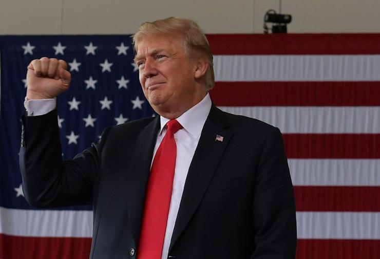 USA president kavandab meedia andmetel veel ühe ministri vallandamist