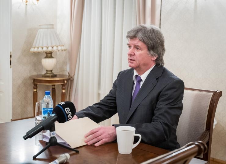 Vene saadik Eestis: Skripali juhtumis peaks ootama ekspertide otsust