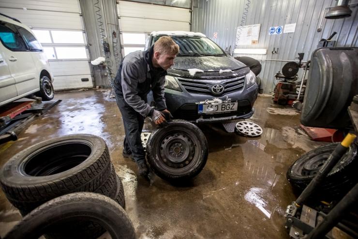 Goodyear: rehvivahetusega ei tasu kiirustada, kiilasjääd või lund võib esineda isegi aprilli keskel