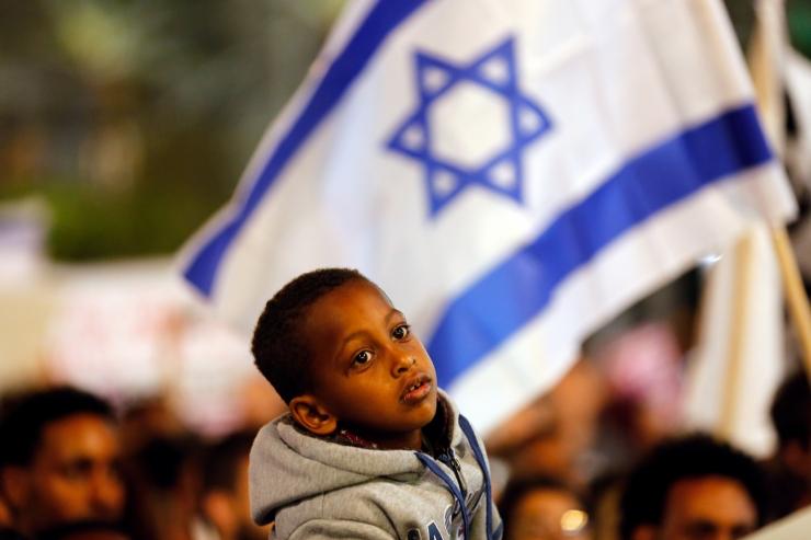 Iisrael jõudis ÜRO-ga kokkuleppele Aafrika migrantide ümberasustamises