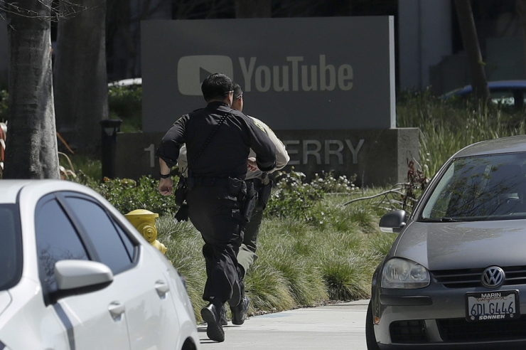 Californias sai YouTube'i peakorteris tulistamises viga kolm inimest