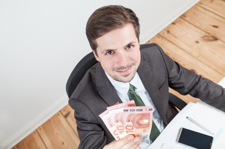 Enam kui iga teine töötaja leiab, et tema tööandja suudaks palku tõsta