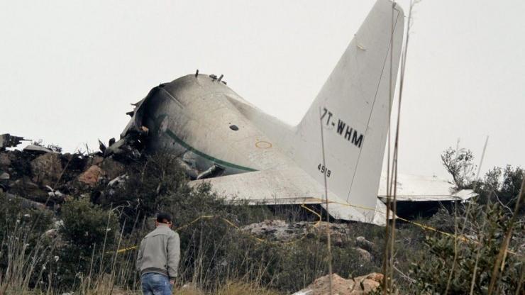 Alžeeria president kuulutas seoses lennuõnnetusega kolmepäevase leina