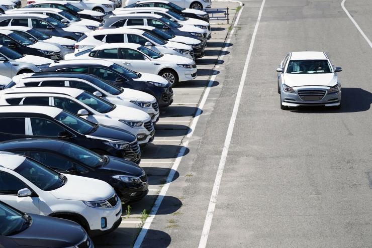 Lätis ja Leedus on kasvanud autoosade vargused sõidukitelt