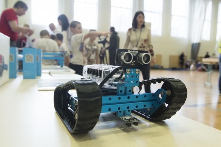 Tallinna koolide nutihuvilised kohtuvad ülelinnalisel robootikapäeval