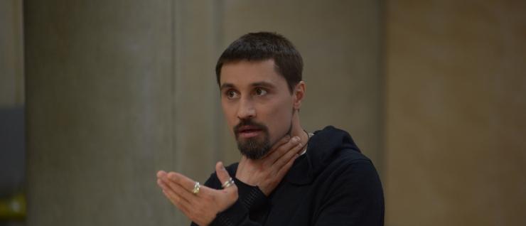 FOTOD! Dima Bilan Tallinnas: tänapäeva inimene on nagu robot - tema ümber on erinevad juhtmed ja taskud on vidinaid täis