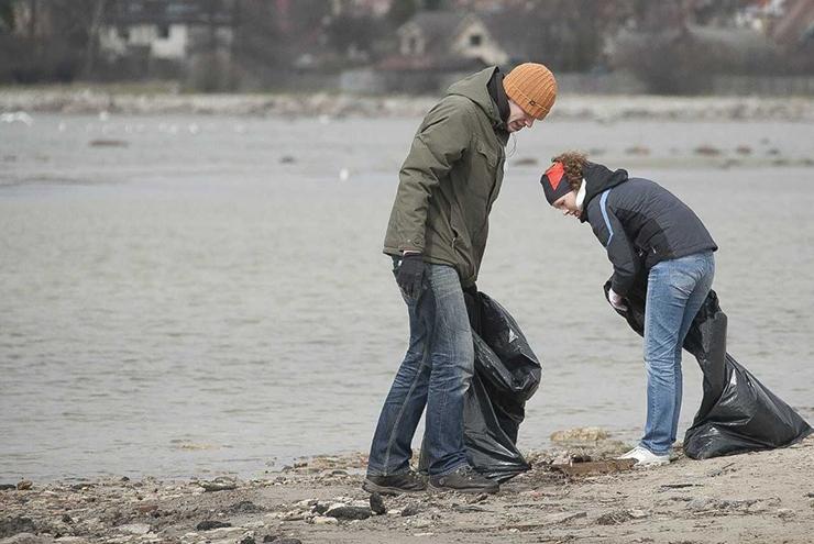 VALMIV UURING: Prügi satub merre ehitusplatsidelt ja puhkekohtadest